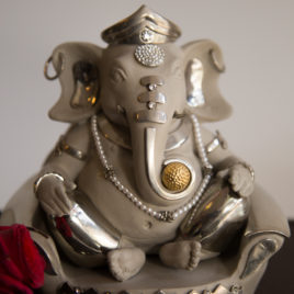 Sofa Ganesha Gray Rhodium Plated